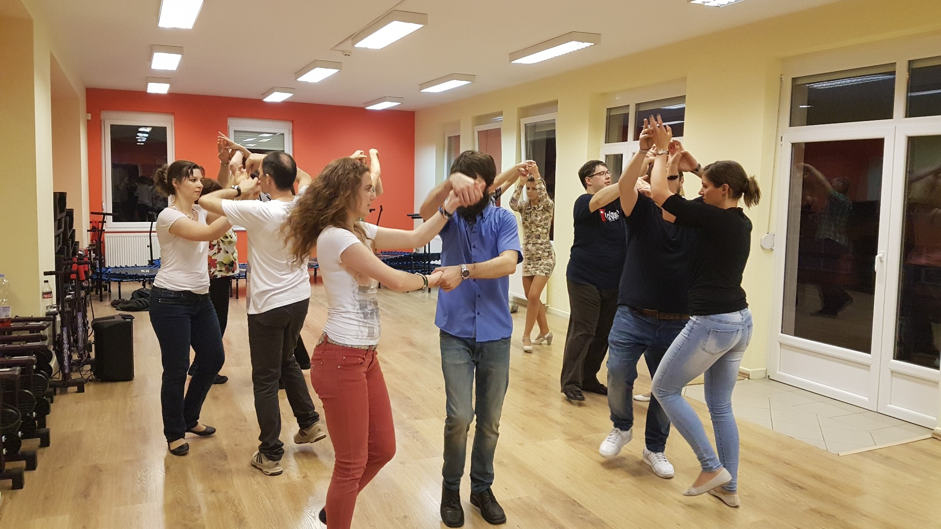 GyereSportolni.hu - Salsa Con Timba Tánciskola